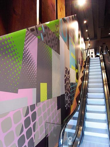 三層高時裝商店